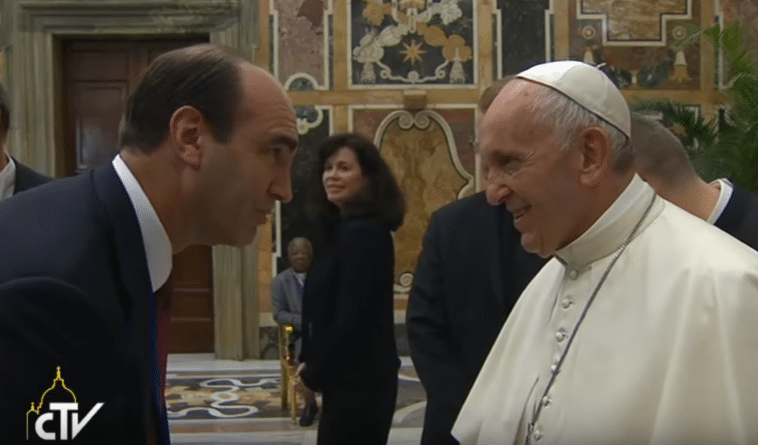 Don Hilton meeting Pope Francis at the World Congress