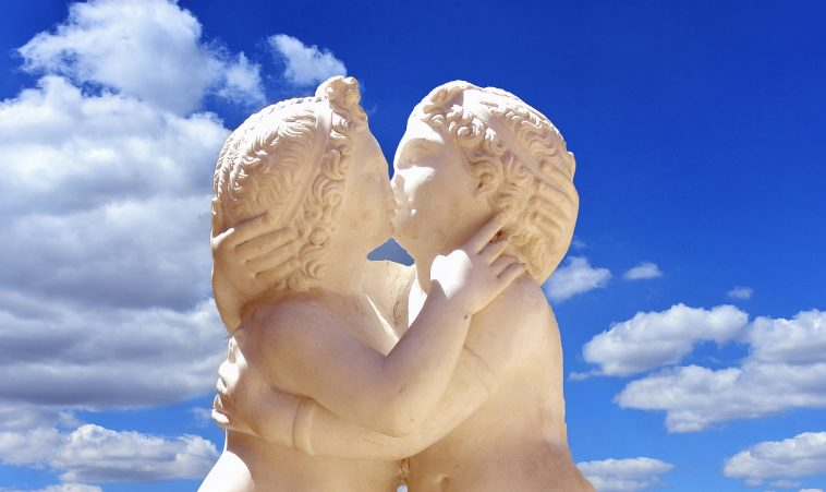 Cherubs Kissing Dergeorge Pixabay Love 2625325_1280
